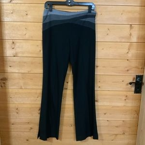 BCBGMAXAZRIA straight leg dress pants sz 2EUC